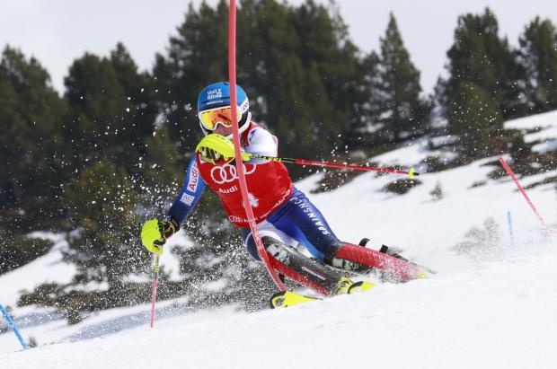 Triplete de Núria Pau al adjudicarse también el slalom de los Campeonatos de España en Baqueira