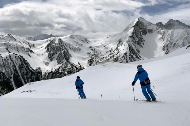 """Francia """"avanza"""" la apertura de las estaciones de esquí al 7 de enero"""