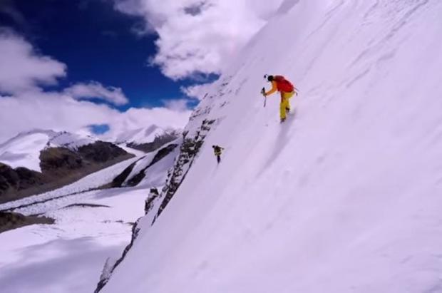 Kilian Jornet presenta el vídeo de otra hazaña: ha esquiado la pared vertical más alta de Europa