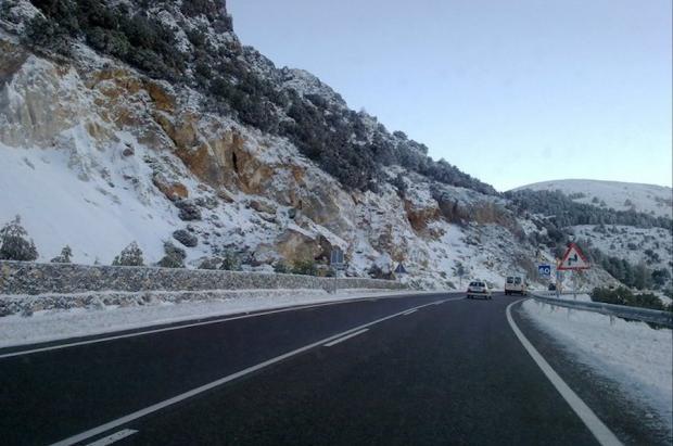 Licitada la mejora de los accesos a Sierra Nevada, que quiere llegar a los 800.000 días de esquí