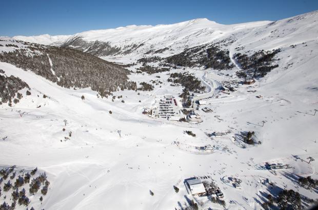 Alfonso Torreño: El aeropuerto de Grau Roig sería contraproducente para el turismo de la nieve