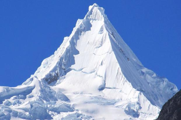 3 montañeros fallecen sepultados por una avalancha en los Andes de Perú