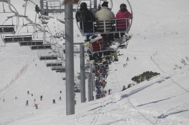 Alto Campoo en un buen año de nieves no consigue mejores resultados por el mal tiempo