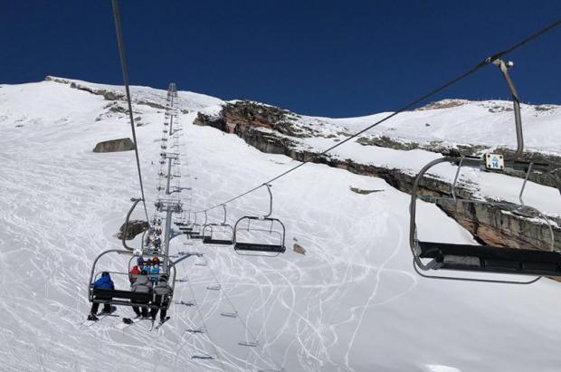 """Alto Campoo se despide en un """"día perfecto"""" de una temporada de esquí con 121.000 visitantes"""