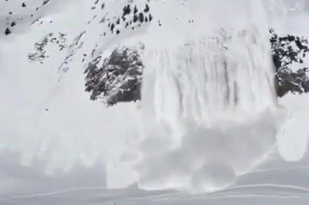 Un esquiador grave y dos leves por un alud en la Val d'Aran este mediodía
