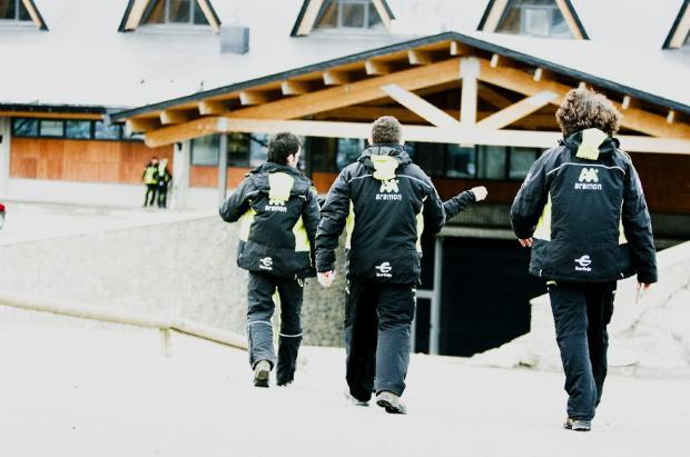 Las estaciones de esquí Aragón ofrecen más de 200 empleos de temporada y aún falta Astún