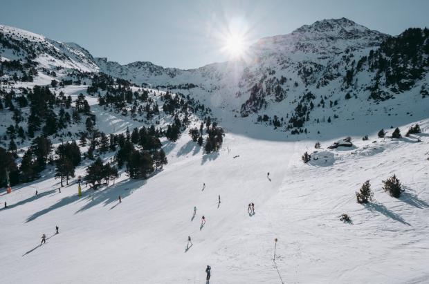 Ordino Arcalís cierra con nota el Puente de Diciembre con casi 6.000 esquiadores