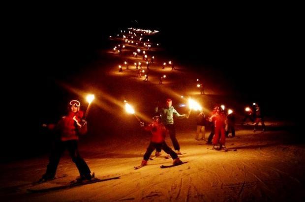 Astún prepara una noche de Reyes con antorchas y chocolate para recibir a sus Majestades de Oriente