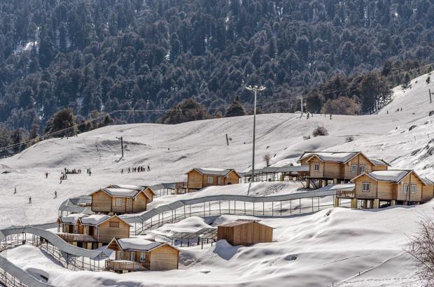 Una boda de lujo en una estación de esquí de La India provoca un desastre ambiental