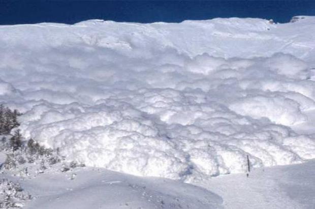 Dos hermanos sobreviven por separado a sendas avalanchas consecutivas