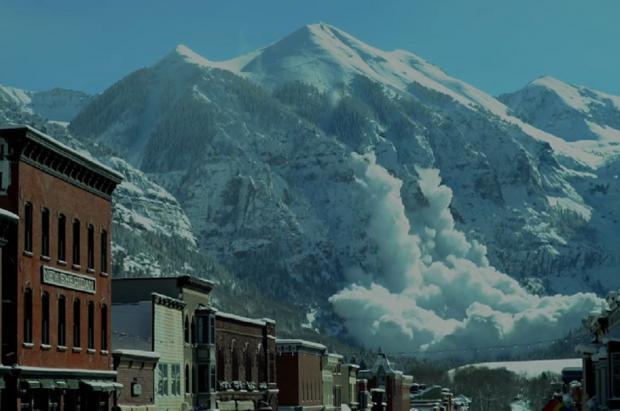 Un helicóptero causa una espectacular avalancha en Telluride, en las montañas de Colorado