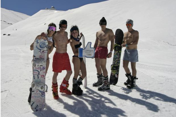 Mañana se celebra la II Bajada en Bañador en Sierra Nevada con 45 km pistas y Snowpark abierto