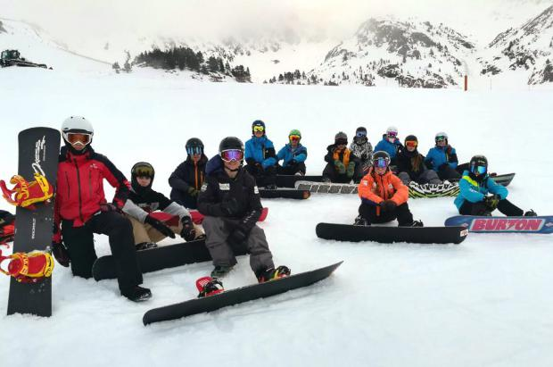Se celebra el III camp de entreno de Snowboard Cross en Baqueira Beret