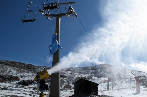 Sierra Nevada prueba los cañones con la previsión de nuevas nevadas