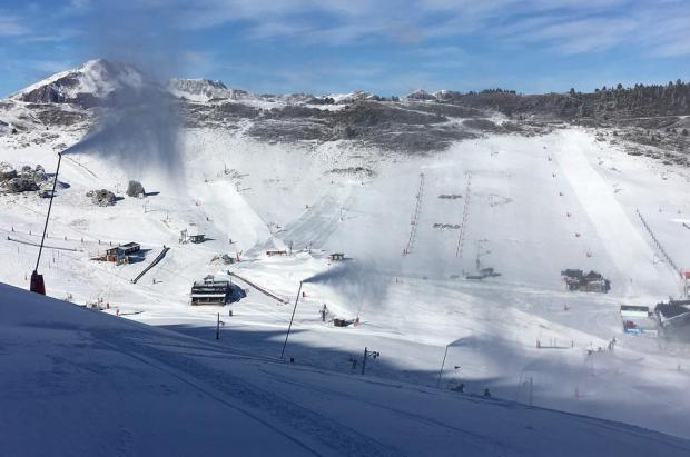 Candanchú estrena la temporada este viernes gracias a los cañones y el snow farming