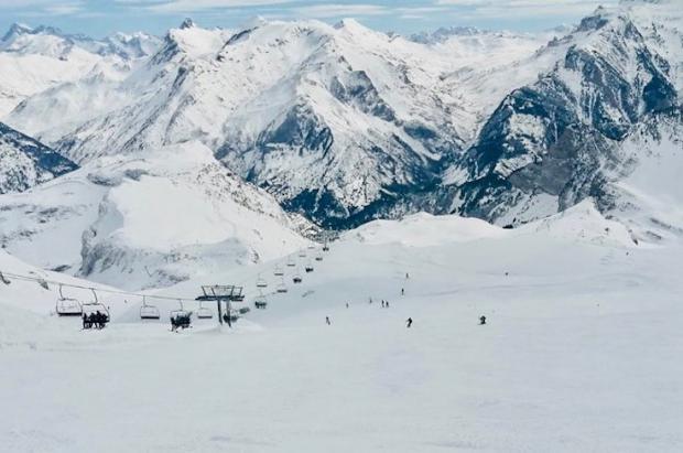 Candanchú no cierra la posibilidad de abrir para el esquí en 2021-22 si recibe ayudas