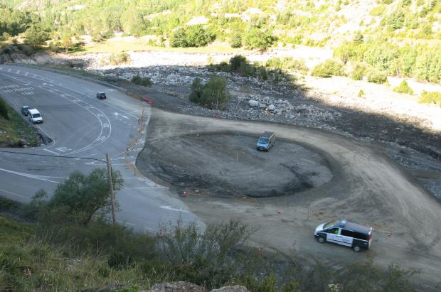 Construcción de una rotonda en el desvío de la carretera que une Benasque con Cerler