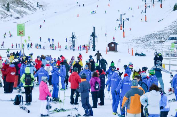 Las estaciones de Aramón aumentan la superficie esquiable para comenzar el 2015