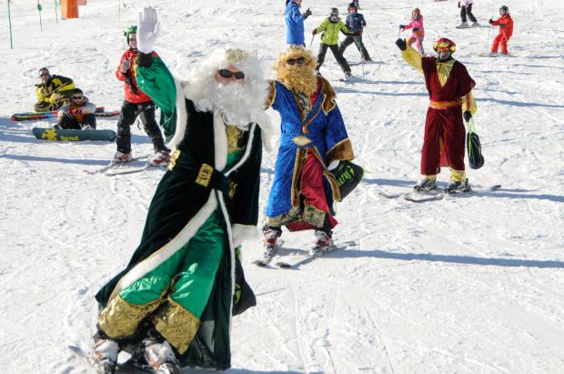 Los Reyes Magos visitan las estaciones de Aramón y felicitan a Formigal por su 50 aniversario