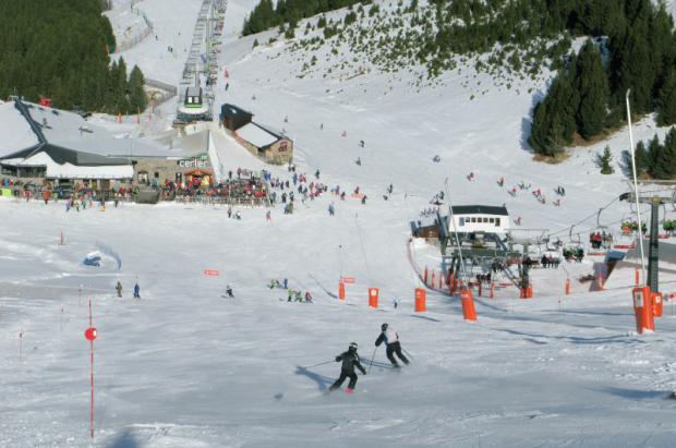 Las estaciones de Aramón cierran un buen Puente con más de 40.000 esquiadores