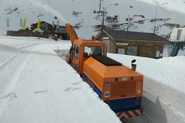 Las carreteras andorranas baten récords de consumo de sal y de km de quitanieves