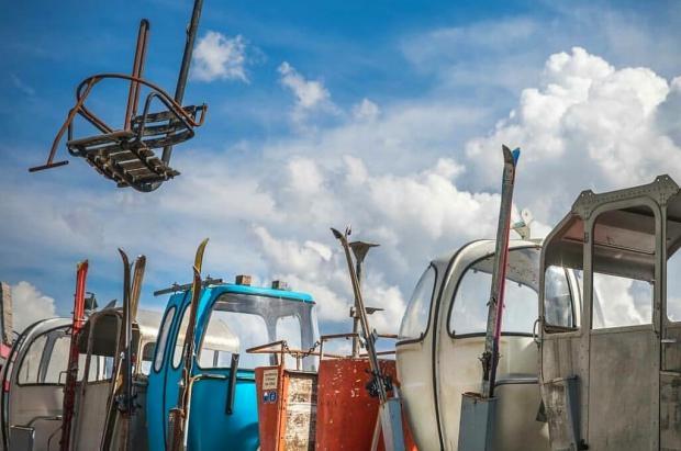 Dos hermanos de la Alta Saboya tienen una colección de telecabinas única en el mundo