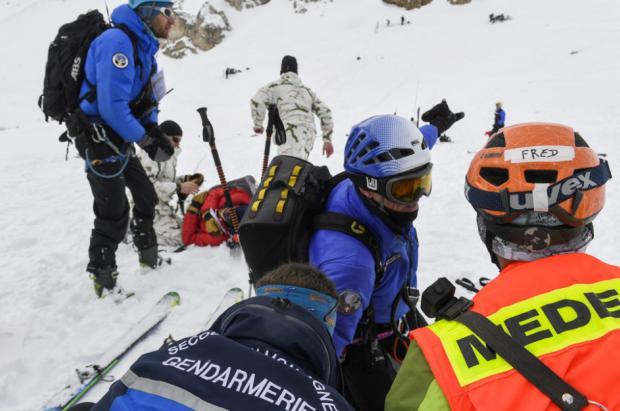 Choque mortal entre un esquiador italiano y uno británico en los 2 Alpes