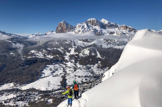 Cómo disfrutar de unas vacaciones de invierno sostenibles en Cortina y las Dolomitas