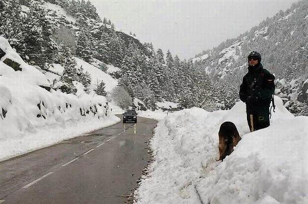Las nevadas desalojan el Balneario de Panticosa y en Benasque aíslan Llanos del Hospital