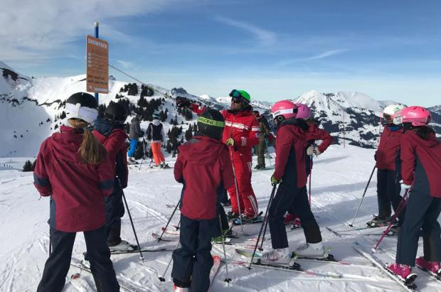 Suiza sortea casi 13.000 forfaits semanales gratis para promocionar el esquí infantil