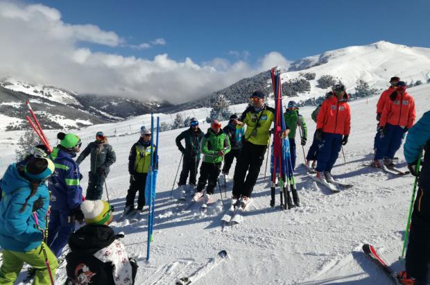 Convocatoria para incorporar formadores a la Escuela Española de Esquí