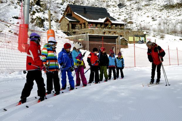 Llega la asignatura obligatoria de esquí a 10 escuelas más de Lleida
