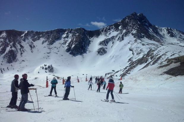 Las estaciones de FGC reciben 90.000 esquiadores en Semana Santa