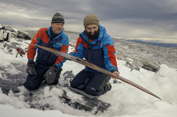Hallado en Noruega el segundo esquí de la pareja de esquís más antigua del mundo