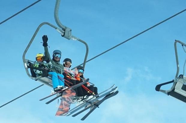 Las estaciones de Aragón abrirán pronto y lanzan una gran promoción para atraer esquiadores