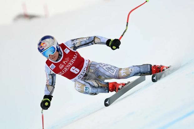 Ester Ledecka gana por 3 centésimas el supergigante de Val d'Isère
