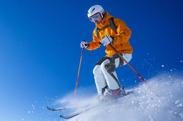 Presentado un exoesqueleto que ayuda a esquiar mejor, por más tiempo y sin cansarse