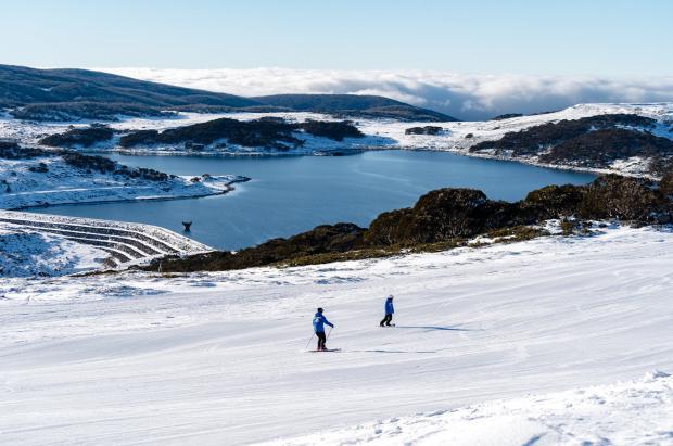 Dos estaciones de esquí de Australia se ven obligadas a cerrar por un brote de coronavirus