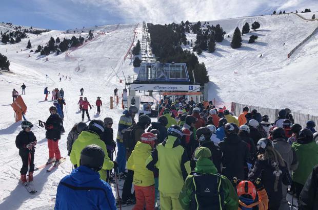 Otro febrero pletórico en las estaciones de esquí de los Pirineos