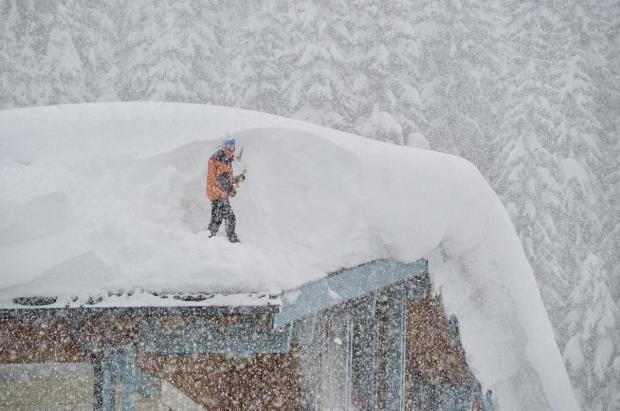 """El norte de los Alpes espera en alerta una """"sobredosis"""" de nevadas"""
