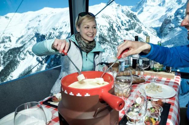 Las fondues en los telecabinas de Suiza, amenazadas por el peligro de incendios