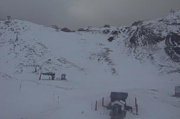Formigal-Panticosa y las estaciones de Teruel retrasan su apertura por falta de nieve