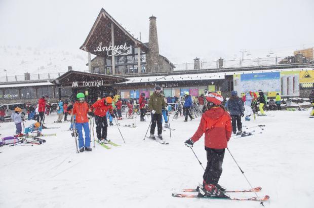 La nieve llega a las estaciones de Aramón Cerler y Formigal Panticosa, seguirán las nevadas
