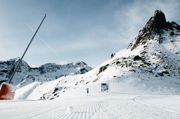 Primer día de esquí de la temporada en Formigal, Astún y Valdelinares