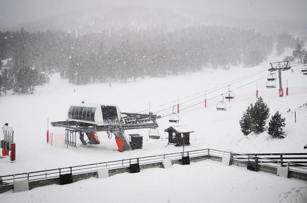 """El """"Plan Montagne"""" inyectará 50 millones para salvar las estaciones de esquí del Pirineo francés"""
