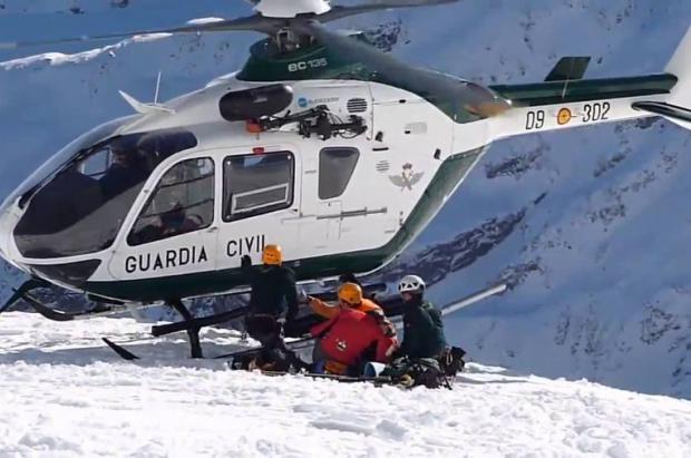 Una pareja de esquiadores de montaña rescatados en la Brecha de Rolando (Ordesa)