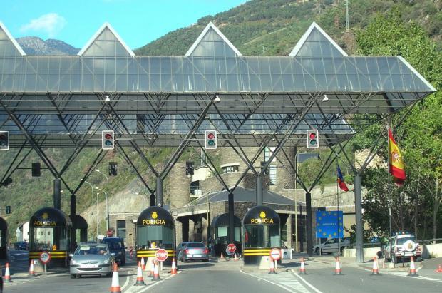 Ni rastro de españoles en el primer día de apertura de la frontera de España con Andorra