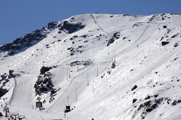 Muere un snowboarder en una pista cerrada de Sierra Nevada