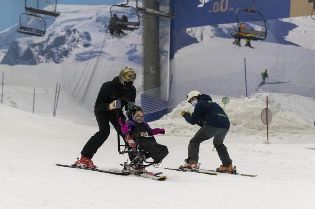 Niños y niñas con discapacidad severa cumplen su sueño de esquiar