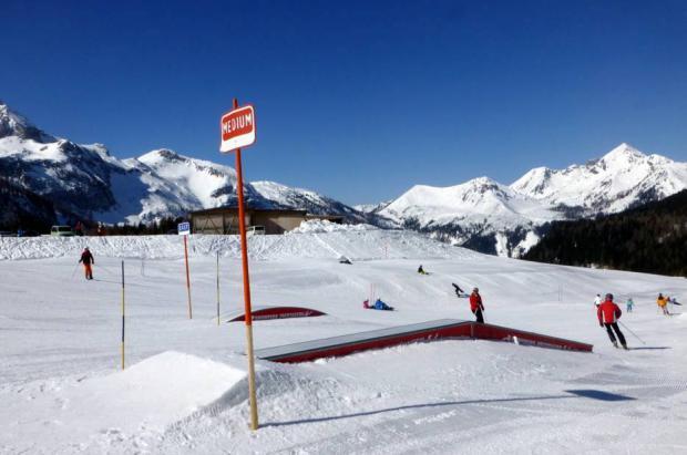 Un esquiador novato que quedó paralítico en un salto reclama 6 millones a la agencia de viajes